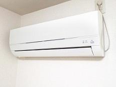 暑がりと寒がり 職場のエアコンの設定温度は何度ならいいの?
